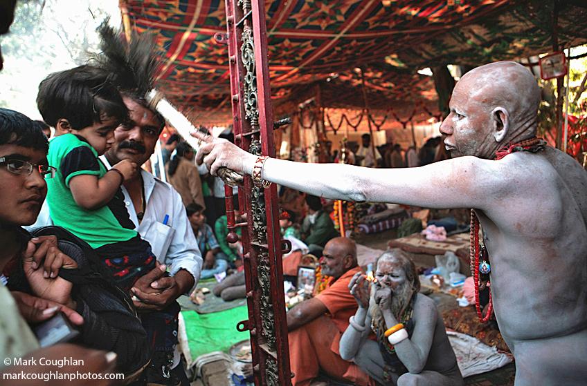 Maha, shiva, shivaratri, shivratri, india, nepal, kathmandu, ganges, sadhus, penis, naked, strength, babas, saints, jun, juna, akhara, sect, gujarat ahmedabad, girner, procession, shiva, mark coughlan, markcoughlanphotos, photographer, images, ashepherdsbushmaneatsfromacan