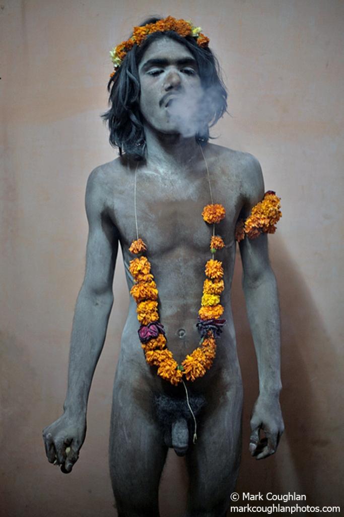 Kumb, kumbh, kumbhmela, haridwar, hardiwar, mela, festival, sadhus, sadhu, holy, shiva, shivaratri, ganges, smoking, saddhu, sadhu, allahabad, getty, lonely planet, photography, photographer, images, tpoty