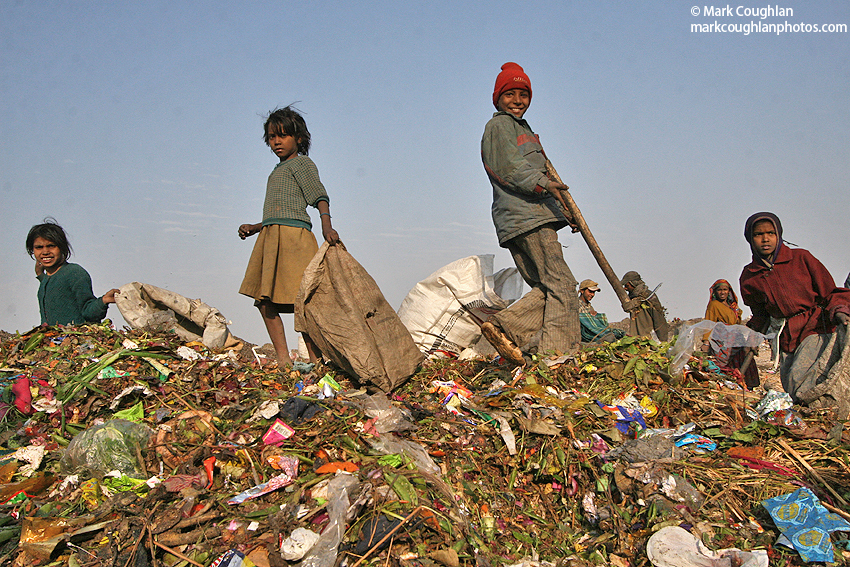 India, newdelhi, delhi, dump, poverty, children, girl, rubbish, ngo, charity, rag, pickers, ragpickers, collectors, poor, savethechildren, nepal, kathmandu, bangladesh, indian, family, kids, living, rags, tip, salvaging, rupees, documentary, journalist, exhibition, project