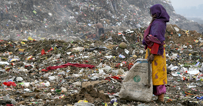 ndia, newdelhi, delhi, dump, poverty, children, girl, rubbish, ngo, charity, rag, pickers, ragpickers, collectors, poor, savethechildren, nepal, kathmandu, bangladesh, indian, family, kids, living, rags, tip, salvaging, rupees, documentary, journalist, exhibition, project