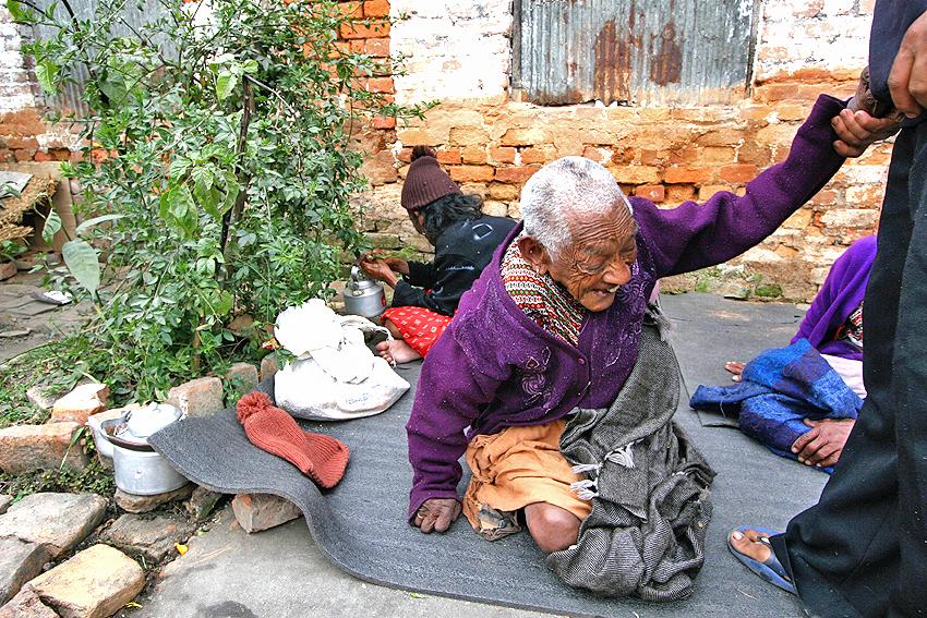 Nepal, Kathmandu, katmandu, elderly, old, people, ganges, home, pashupatinath, oldhome, Pashupati, Briddhshram, corruption, poverty, photos, photography, project, highlight, times, news, katmandu, mark, coughlan, markcoughlan, photographer, documentary, journalist, hindu, oldhome