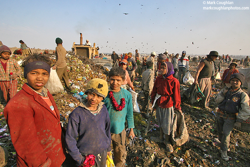 rubbish-dump-rag-pickers-children-india